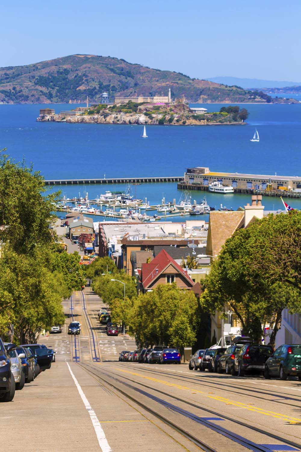 San francisco Hyde Street and Alcatraz island